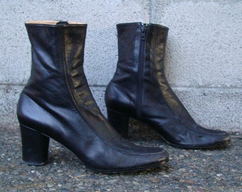 VINTAGE 1970S SHORT Black Booties Boots