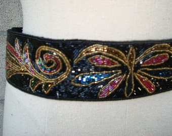 Vintage 1980s Beaded Cinch Belt