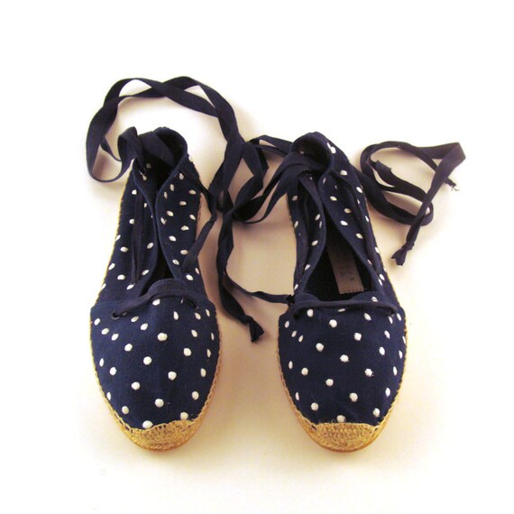 Espadrilles Sandals Vintage 1980s Navy and White Perry Ellis Woven Polka Dot Women's size 10