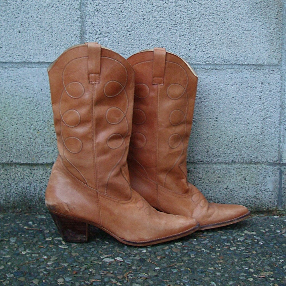 vintage 1970s stacked heel cowboy boots 8 1 2 honey brown