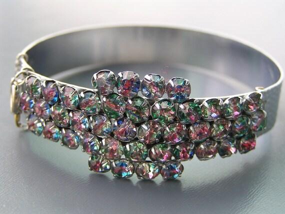 Vintage Jewelry Rainbow Iris Crystal Glass Silver tone Hinged Bracelet Bangle