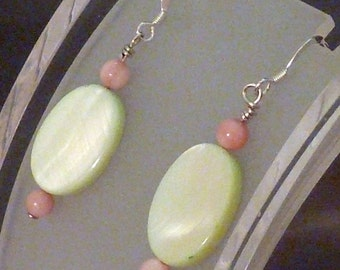 Earrings mother of pearl green oval pink rounds pierced