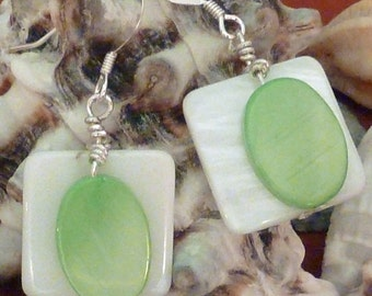 Earrings mother of pearl wte flat sq layered with green flat oval pierced