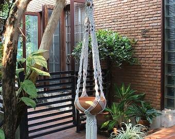 Macrame hanging planter Persia