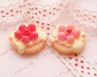 Decoden Supplies Strawberry Pancake Cabochon - 4pcs