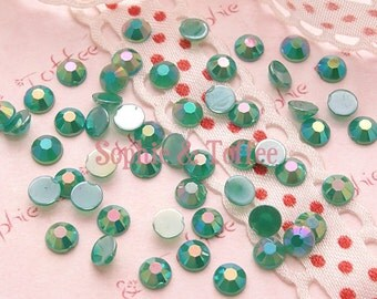 AB Dark Green Acrylic Faceted Rhinestones 4mm Set of 200pcs