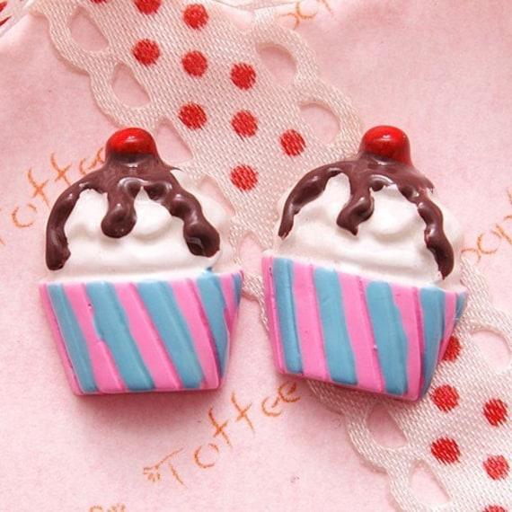 Cherry Hot Fudge Cupcake Cabochon - 6pcs