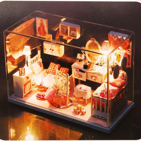 Miniature Lighted Dollhouse DIY Kit - Pretty Princess Room