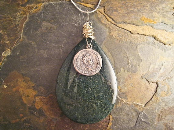 Handcrafted Agate and Sterling Silver Pendant (P040)