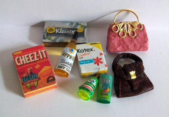 Assortment of Lady's Products (1 inch dollhouse scale)