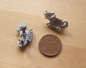2 Vintage Cast Seahorse Pins Cabochon Settings by Bullseyebeads