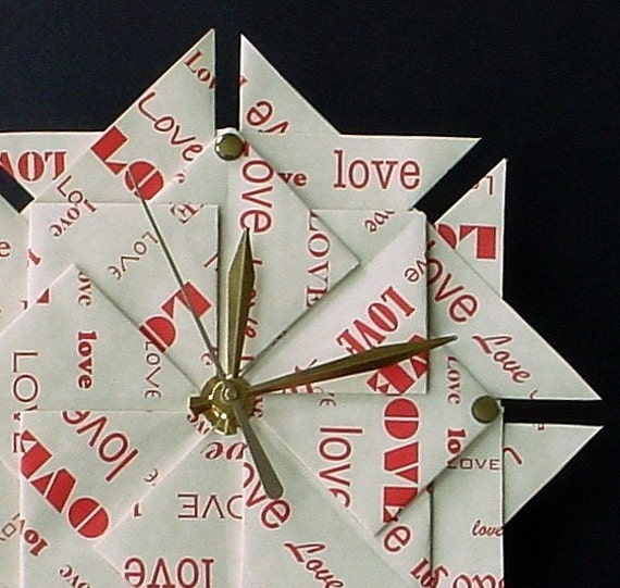 Great Valentine's Day Gift - 1st Anniversary /Wedding Gift - Origami Love Clock - Red