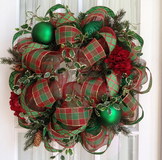 Deco Mesh CHRISTMAS Wreath For Door Or Wall Traditional Red