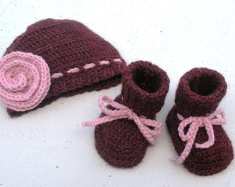 SALE Newborn Crochet Hat and Booties set, infant girls, ready to ship.
