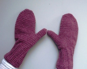 SALE Women's crochet Mittens in deep pink rose heather, ready to ship