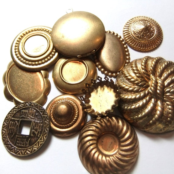 Assorted Brass Jewelry Findings, assorted grab bag lot of vintage cabochons and settings (AS0007)