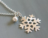 Snowflake sterling Silver Pendant with a small pearl