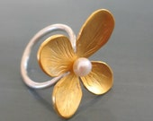Gold plated flower Pearl ring