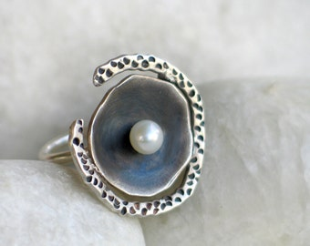 Sterling silver Pearl Ring, organic form