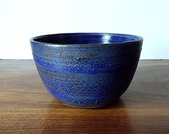 Modernist Studio Pottery Bowl, Blue, Gray, Sgraffito, Artist Signed