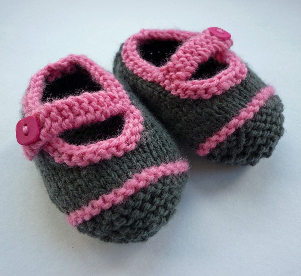 Knitting Pattern For Baby Boy Shoes : Baby Booties Knitting Pattern Knit Baby Shoes PDF Easy Knit
