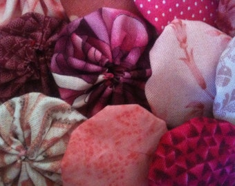 Pink fabric, fabric yoyo suffolk yo flower 25 Pieces, 2 inch, for quilt, garland, scrapbooking, card embellishment