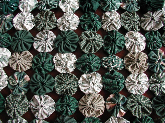 Clover fields table runner 13 1/4 inch square, handmade from fabric yoyo, Green and White doily, table decoration