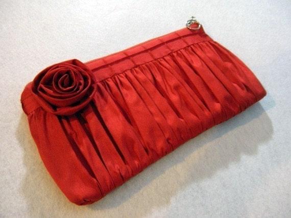 Clutch Pin Tuck - Silk in Red Rose