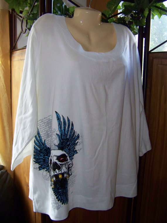 Plus Size 4X White Destressed Tattoo Skull and Wings
