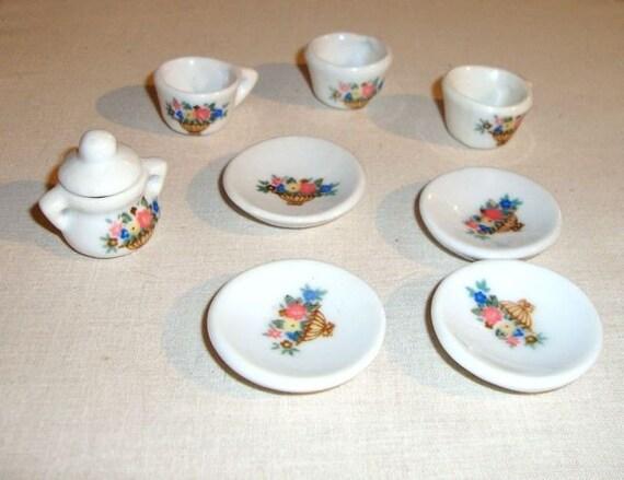 Miniature Tea Set - Doll playset - Porcelain - Vintage