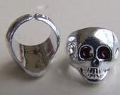 1980s Disney World Pirates of Caribbean Skull Ring MINT