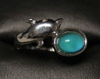 1970s Rare DOLPHIN MOOD RING Medium