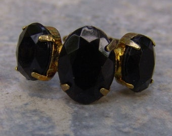1960s Marquis Shaped Faux ONYX Adjustable Ring NICE