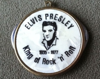 VERY RARE 1977 Elvis Mother of Pearl Commemorative Pendant -double blade knife