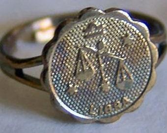 1960's Zodiac Gum Machine Ring LIBRA