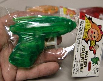1974 Mint In Package SPACE RAY GUN Squirt Gun GREEN