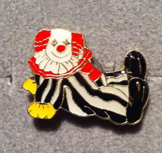 1960s-70s Ringling Bros Barnum Bailey Circus Pin CLOWN on BACK