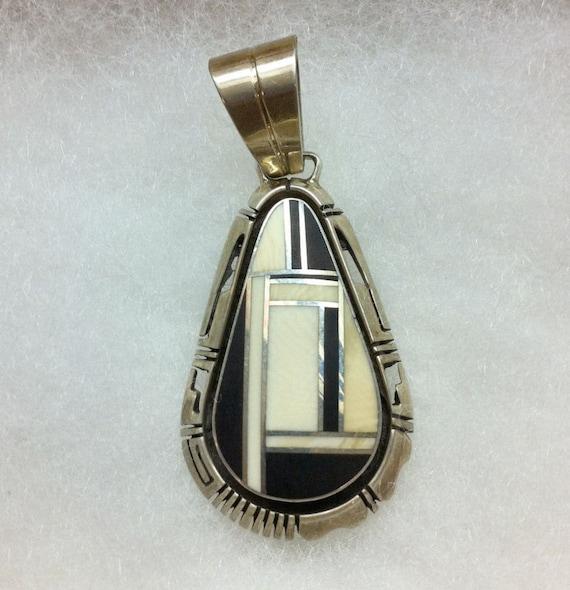 1980s Award Winning Navajo Artist Gilbert Nelson Onyx Inlaid Sterling Silver Pendant