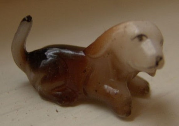 1960s Mini Dog Figurine HAND PAINTED Beagle 1