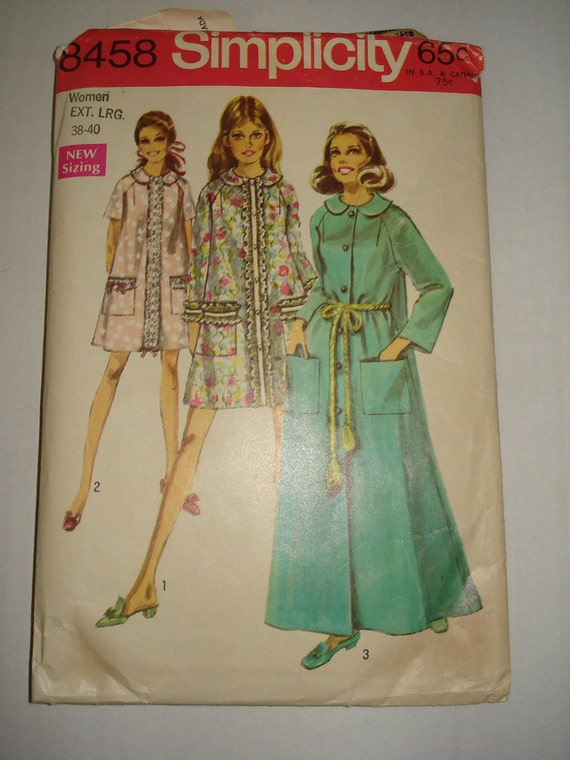 Sewing Pattern Women's Robe  Ext. Lrg. 38-40 Simplicity 8458
