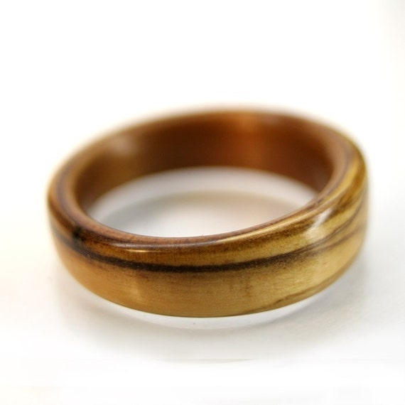 Bethlehem Olive and Ancient Kauri Wooden Ring