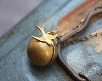 Ball and Chain Sparrow Necklace