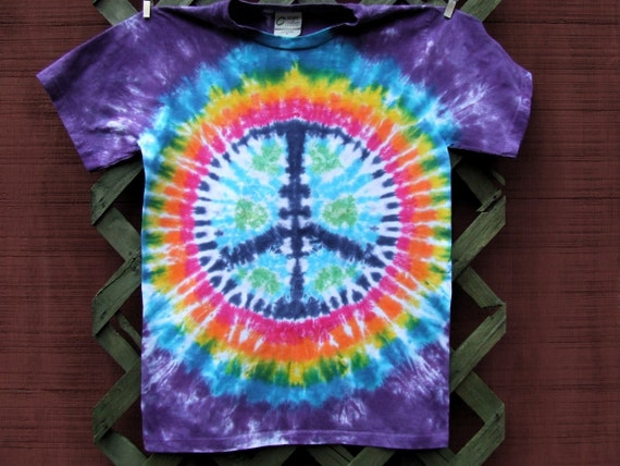 Organic Tie Dye T-shirt - Peace on Earth - Hand dyed - Size Adult Small
