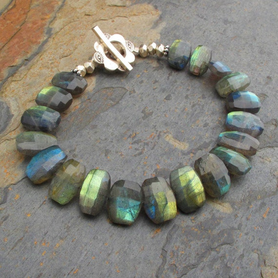 Labradorite Thai Hill Tribe Silver Bracelet - Northern Lights
