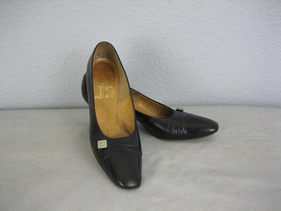 Vintage Nierman's Smart Shoes Silver Buckles Black Heels Size 8 1/2 8.5