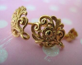 Shop Sale.. DAISY FLOWER Post Earrings, 24k Gold Vermeil .. Top Sellers, 3 pairs Bulk, 12x10 mm,  p1..bali artisan organic nature wholesale