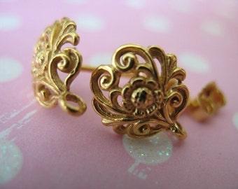 Shop Sale.. 1 5 10 pairs, 24k Gold Vermeil Earrings, Bulk Post Earrings, DAISY Flower, 12x10 mm, organic nature bali artisan wholesale p1