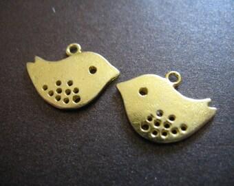 Shop Sale.. 5 10 25 50 pcs, SKYLARK Sparrow Bird Charms Pendants, 17x14 mm, choose .. Silver, Antique Brass, or Gold, nature woodland ssl