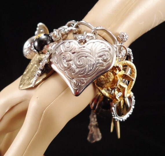 Charm Bracelet  - FoLLLoW YouR HeArT - OOAK - Vintage Heaven