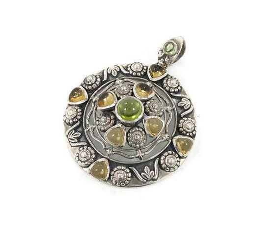 Ornate India sterling silver pendant - Vintage large piece - Peridot & citrine -  Boho ethnic tribal - InVintageHeaven